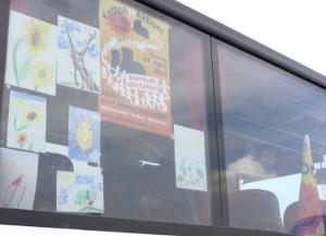 ...noch 4h nach Elmshorn - die Buscrew ist kreativ und verschönert den Bus...