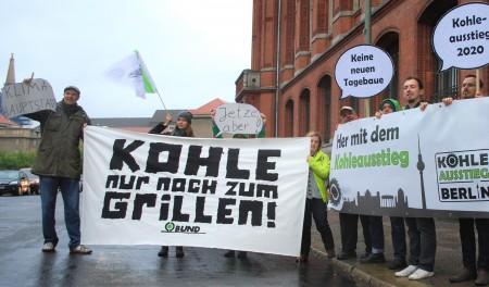 Aktion vor den Koalitionsverhandlungen von rot-rot-grün in Berlin